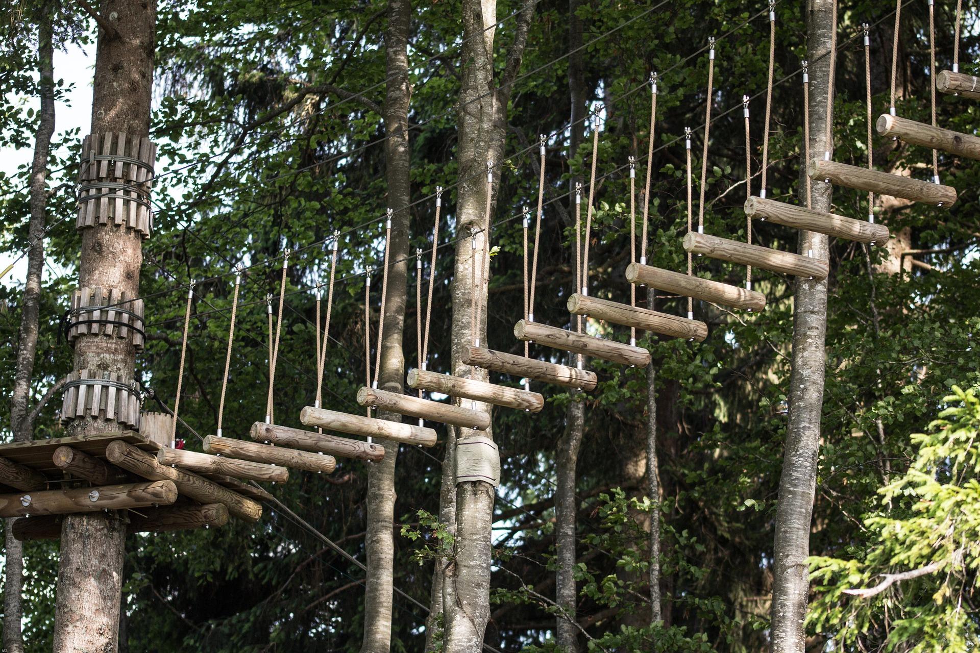 parcours acrobatique en hauteur
